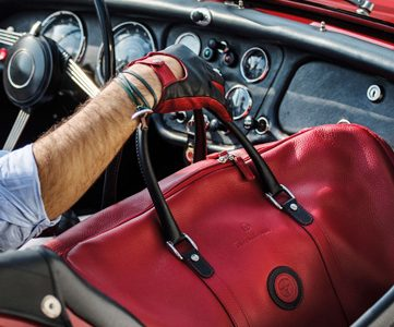 LUXURIOUS CUSTOM FINISHED TRAVEL BAG SETS FOR THEGENTLEMAN DRIVER